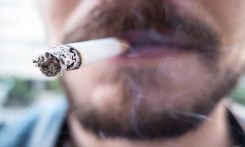 Cai para 32 por cento n�mero de estudantes que experimentam cigarro em Salvador