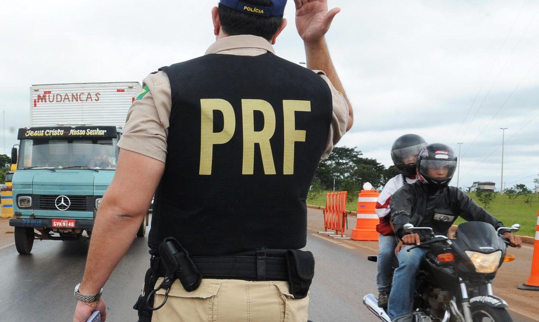 PRF reforça fiscalização em rodovias federais  no feriadão