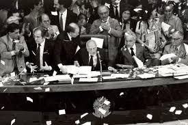 Haddad e Bolsonaro descartam nova Assembléia Constituinte