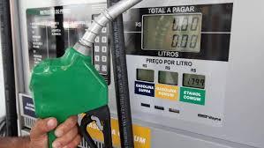 Petrobras anuncia nova redução de combustível na refinaria e vai apurar não repasse ao consumidor