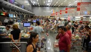 Confiança do consumidor é a maior desde janeiro de 2014, diz CNI