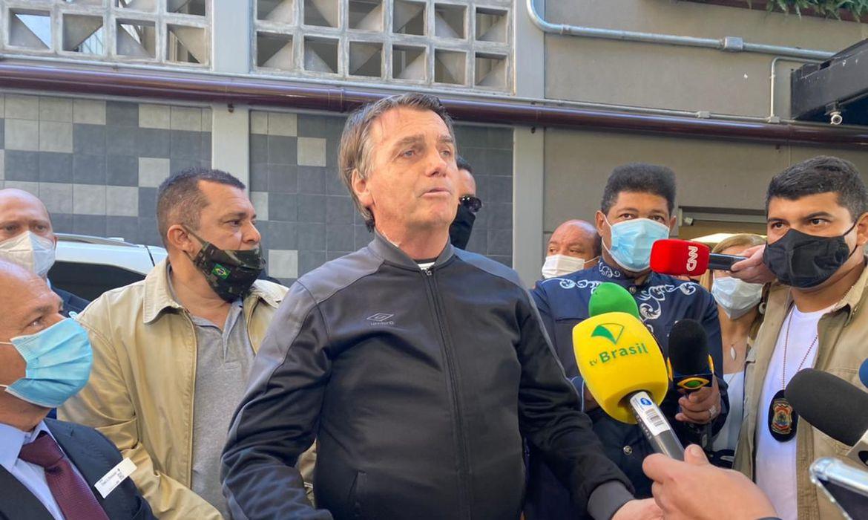 Após alta, Bolsonaro diz que hoje se reúne com ministro da Saúde
