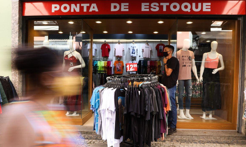 Mais da metade dos brasileiros quer comprar presentes no Dia das M�es