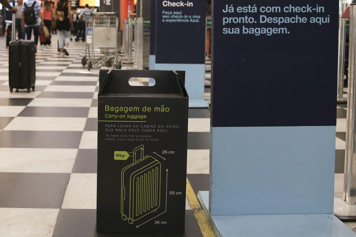 Bolsonaro aguarda estudos para decidir sobre franquia de bagagem
