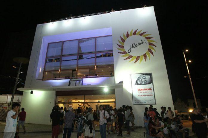 Governo do Estado busca alternativas para manter Cine Glauber Rocha