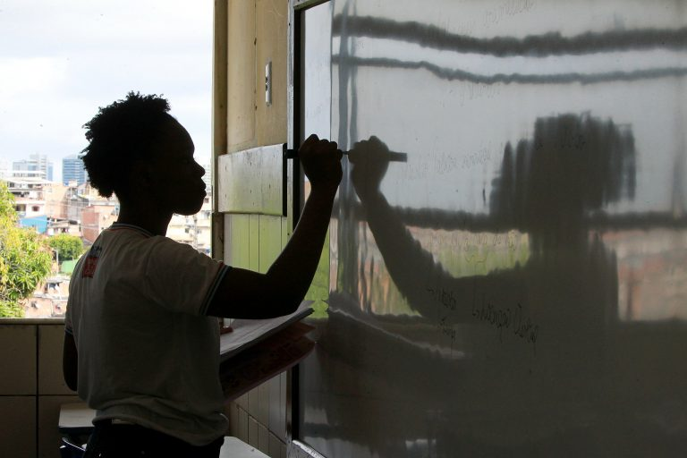 Decreto que proíbe aulas na Bahia é prorrogado até 2 de dezembro