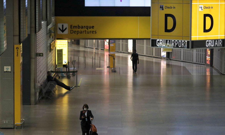 Anac recomenda fim de serviço de bordo em voos