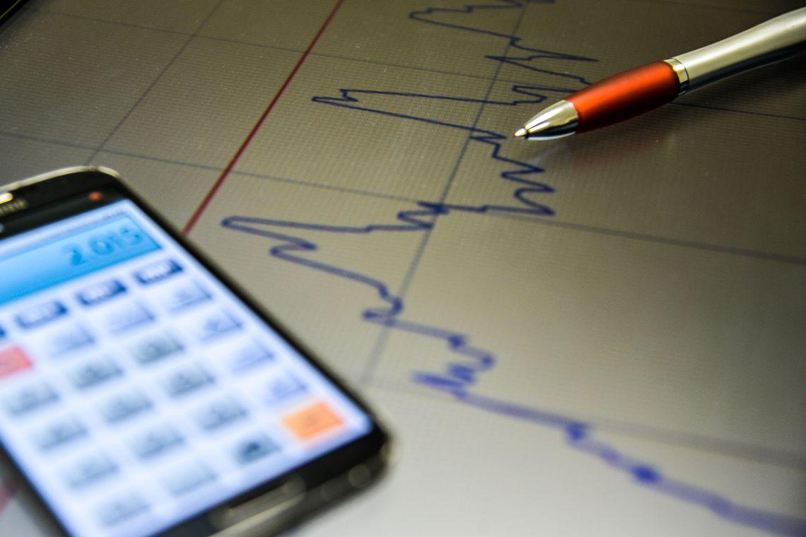 Mercado reduz estimativa de crescimento da economia para 0,85%