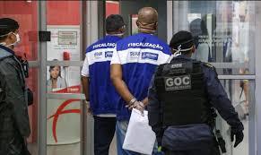 Prefeitura interdita 67 estabelecimentos no Lobato, Liberdade e Bonfim
