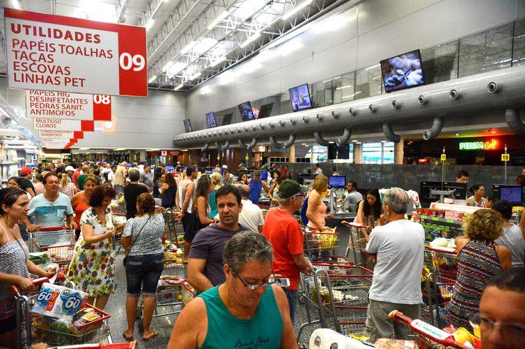 Confian�a do Consumidor recua 2,9 pontos em maio