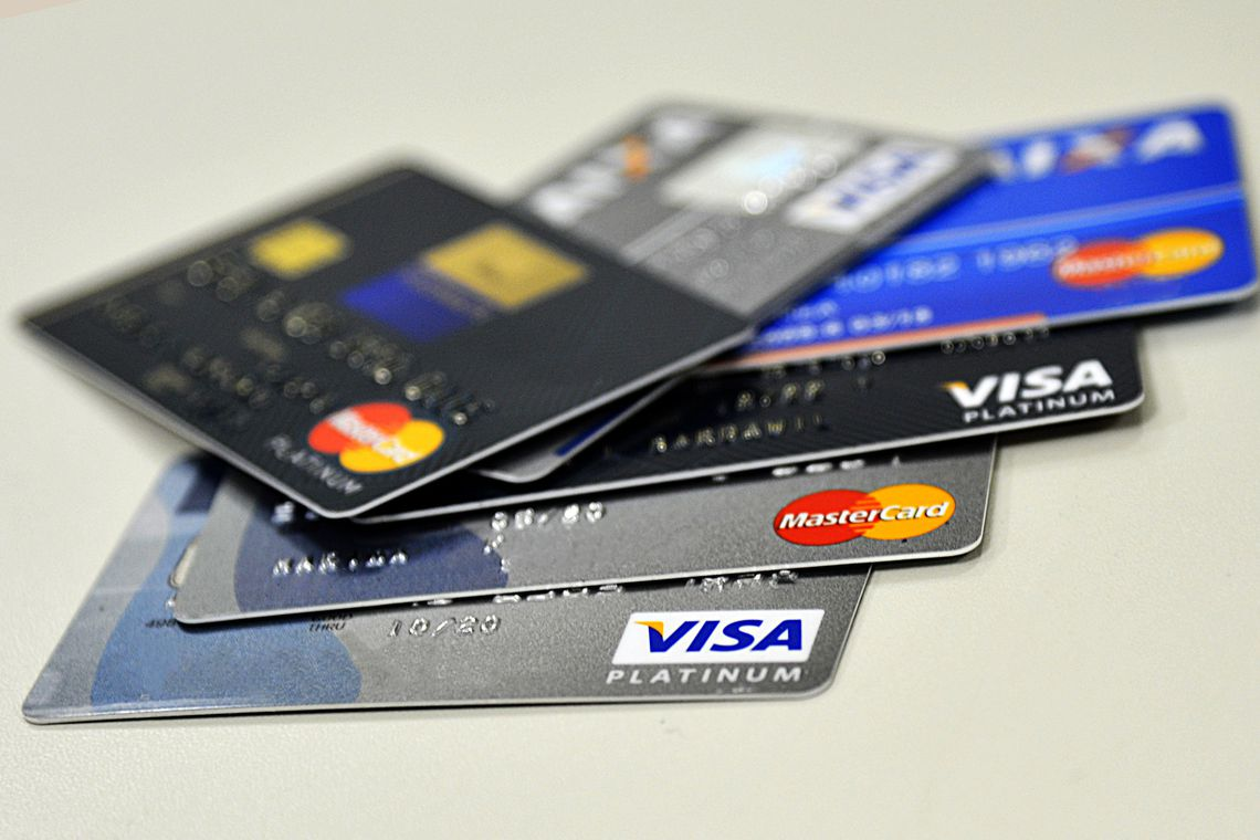 Rotativo do cartão de crédito tem juros maiores em outubro