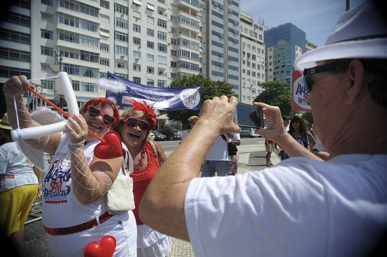 Carnaval pode render R$ 6,78 bilhões ao país, estima CNC