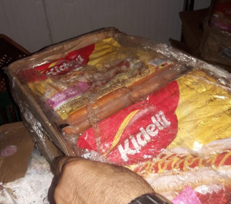 Codecon flagra 90 kg de salsichas vencidas em a�ougue