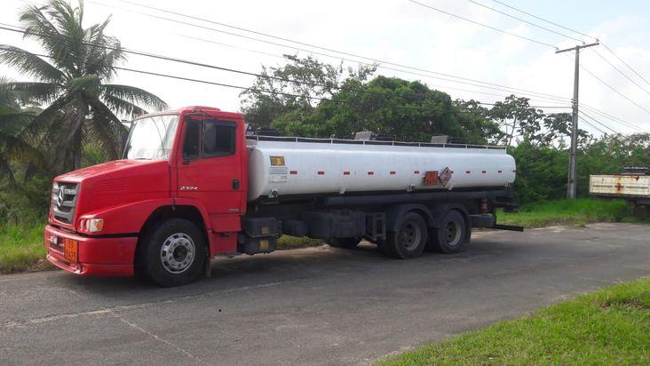Sefaz apreende caminh�o com etanol irregular na BA-093