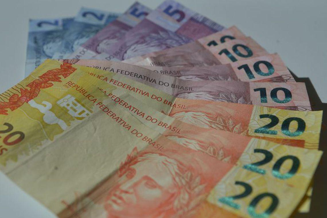 Proposta do governo � de sal�rio m�nimo de R$ 1.039 em 2020