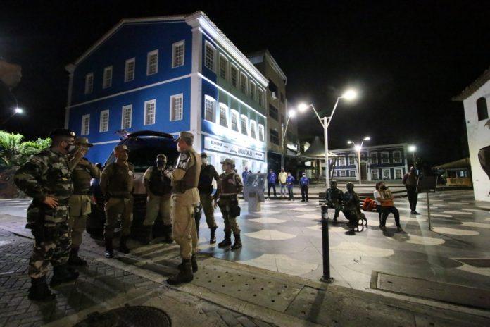 Governo do Estado e prefeituras definem altera��es para medidas restritivas na Bahia
