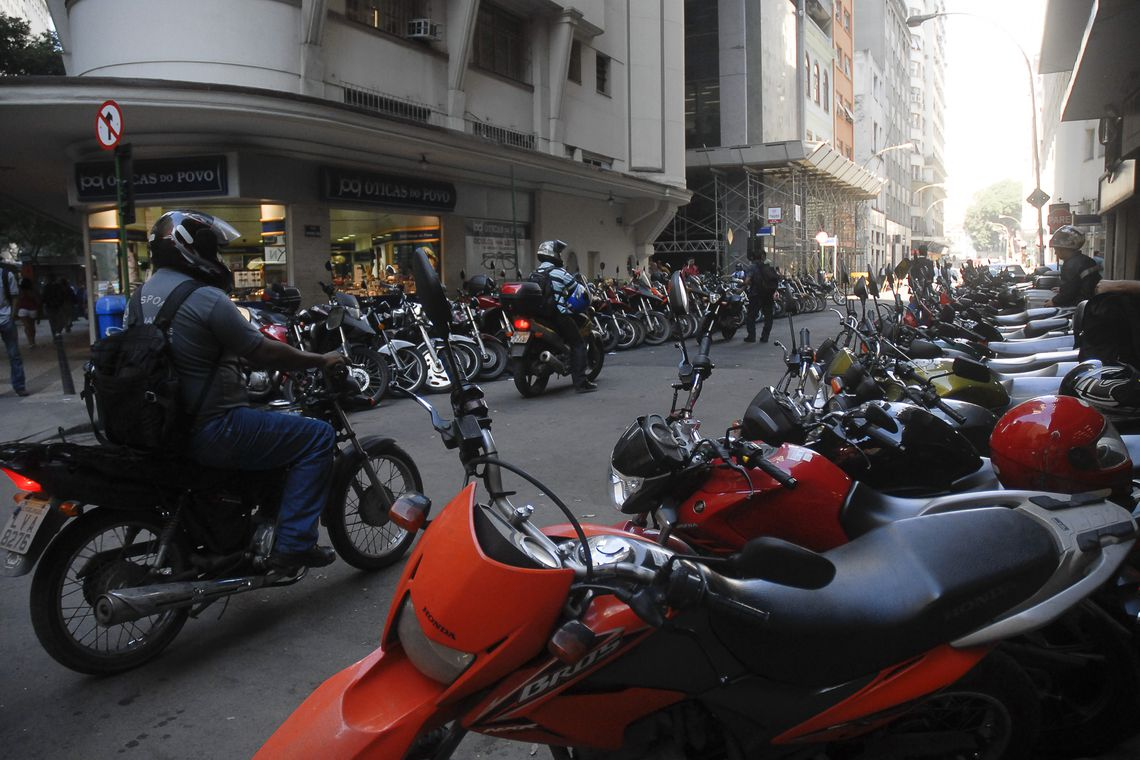 Produção e vendas de motocicletas crescem e superam expectativas