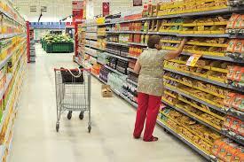 Confiança do consumidor cai 1,7 ponto em setembro