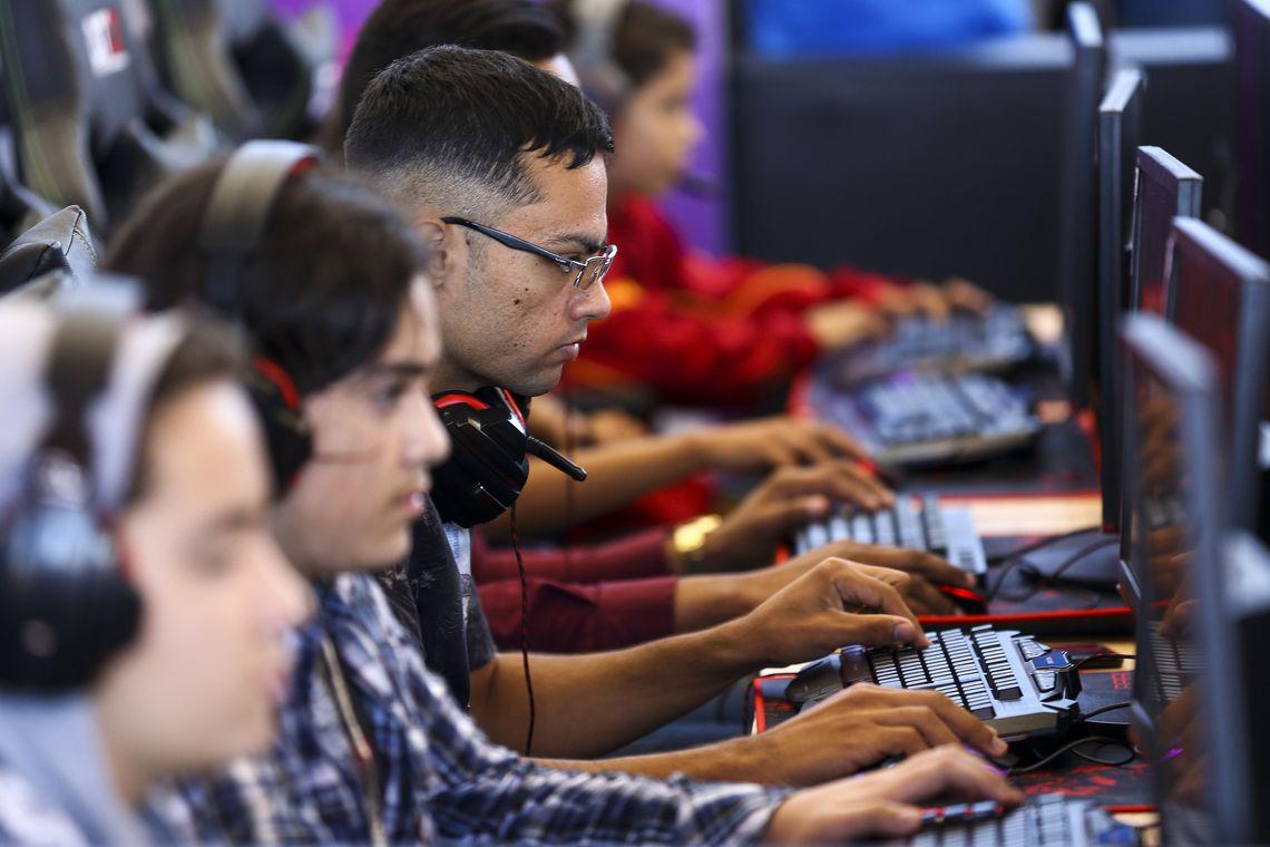 Campus Party aproxima crian�as e jovens de novas tecnologias
