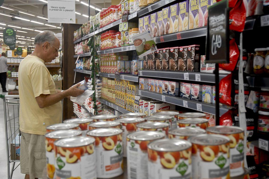 Vendas de fim de ano em supermercados devem se igualar �s de 2018