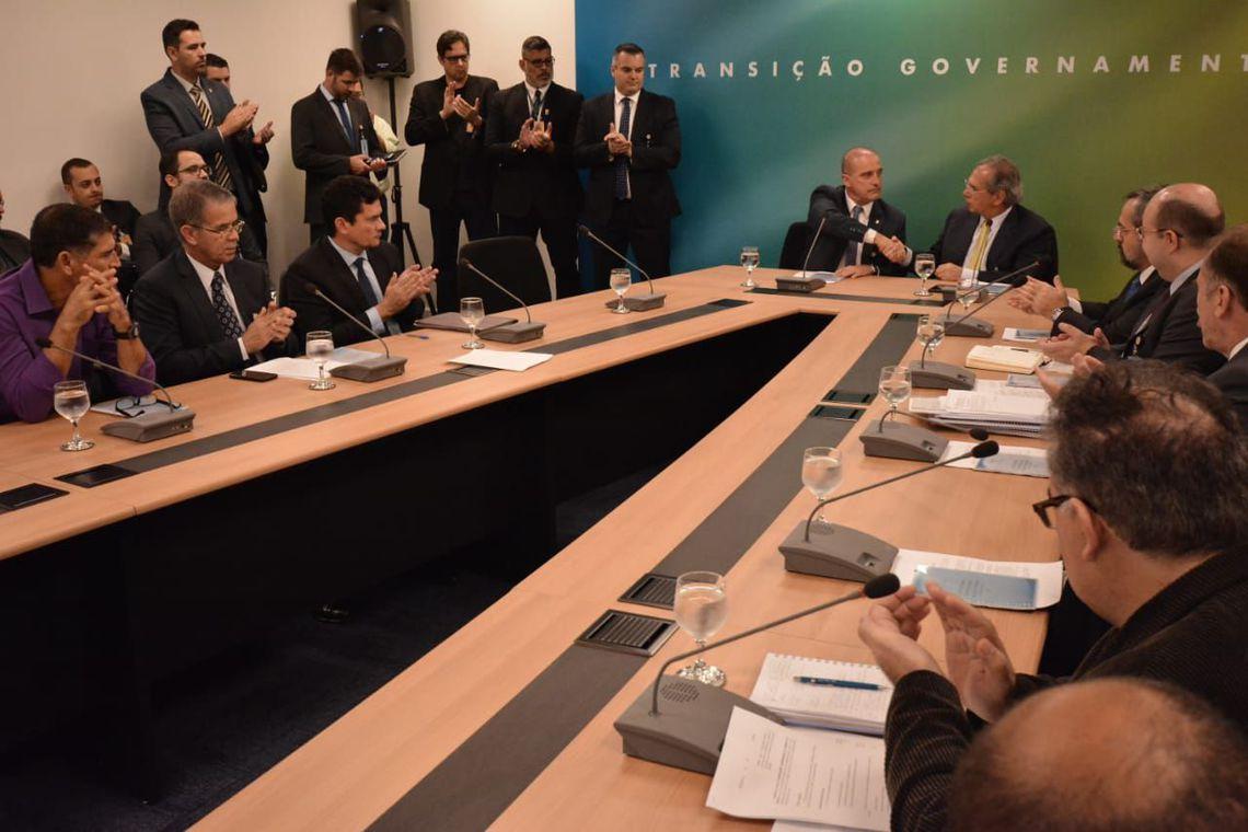 Equipe de transição prioriza 15 áreas da economia: de privatizações a servidor público