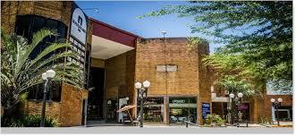 Prefeitura cassa alvar� de funcionamento de shopping e de loja por descumprir decreto