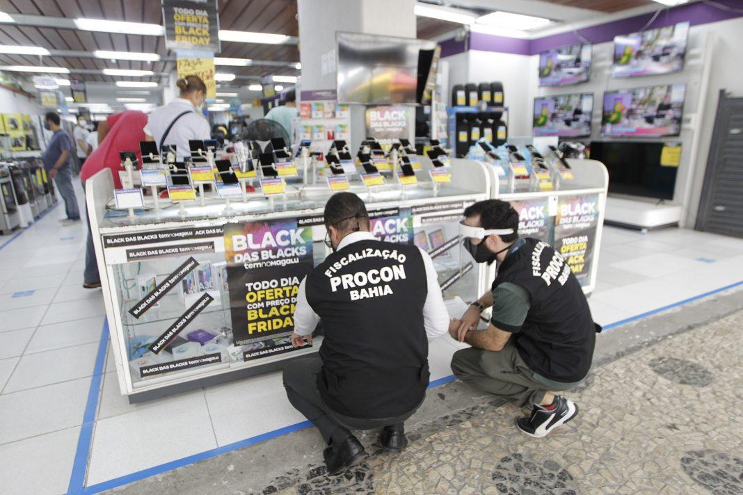 Procon-BA fiscaliza lojas físicas durante a Black Friday