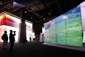 Tradutor instant�neo e TV ajust�vel s�o novidades em feira tecnol�gica