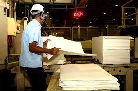 Confiança da Indústria tem primeira queda trimestral em quase 2 anos