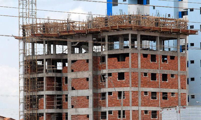 Confian�a da constru��o cai 1,4 ponto em fevereiro