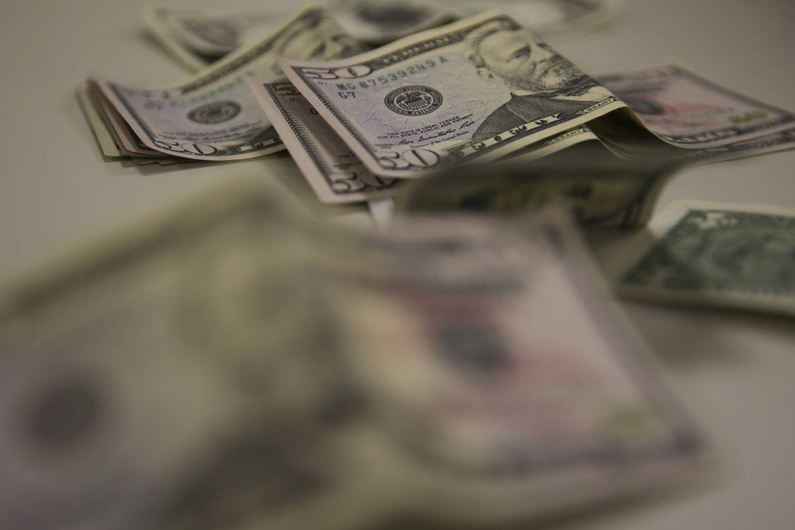 Novo limite para compras em viagem ao exterior será de US$ 1.000