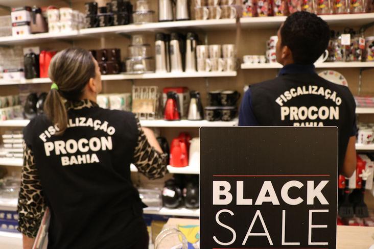 Procon-BA autuou 14 estabelecimentos em Salvador durante a operação Black Friday