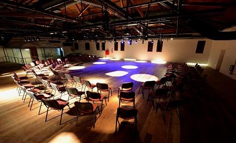 Teatros mantêm programações virtuais durante preparação para retomada