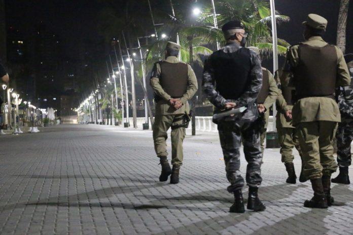 Governo prorroga toque de recolher e proibi��o de shows e festas em toda a Bahia