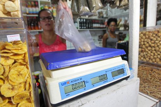Ibametro orienta contra fraudes em balanças de pesagem de alimentos