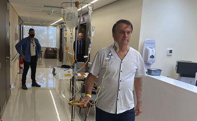 Presidente deve receber alta neste domingo, afirma equipe médica