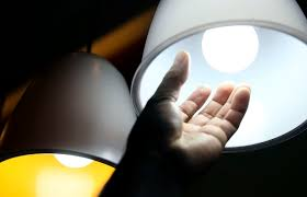Contas de luz continuam com tarifa mais alta em outubro
