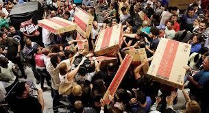 Oito em cada dez brasileiros devem fazer compras na Black Friday, prevê pesquisa