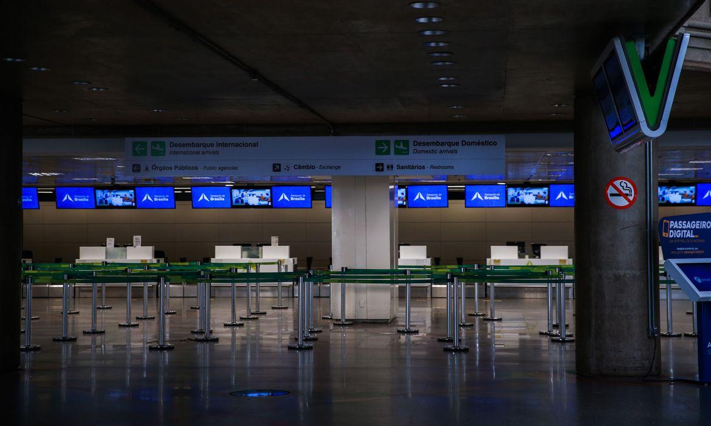 Governo pro�be temporariamente entrada de estrangeiros no Pa�s