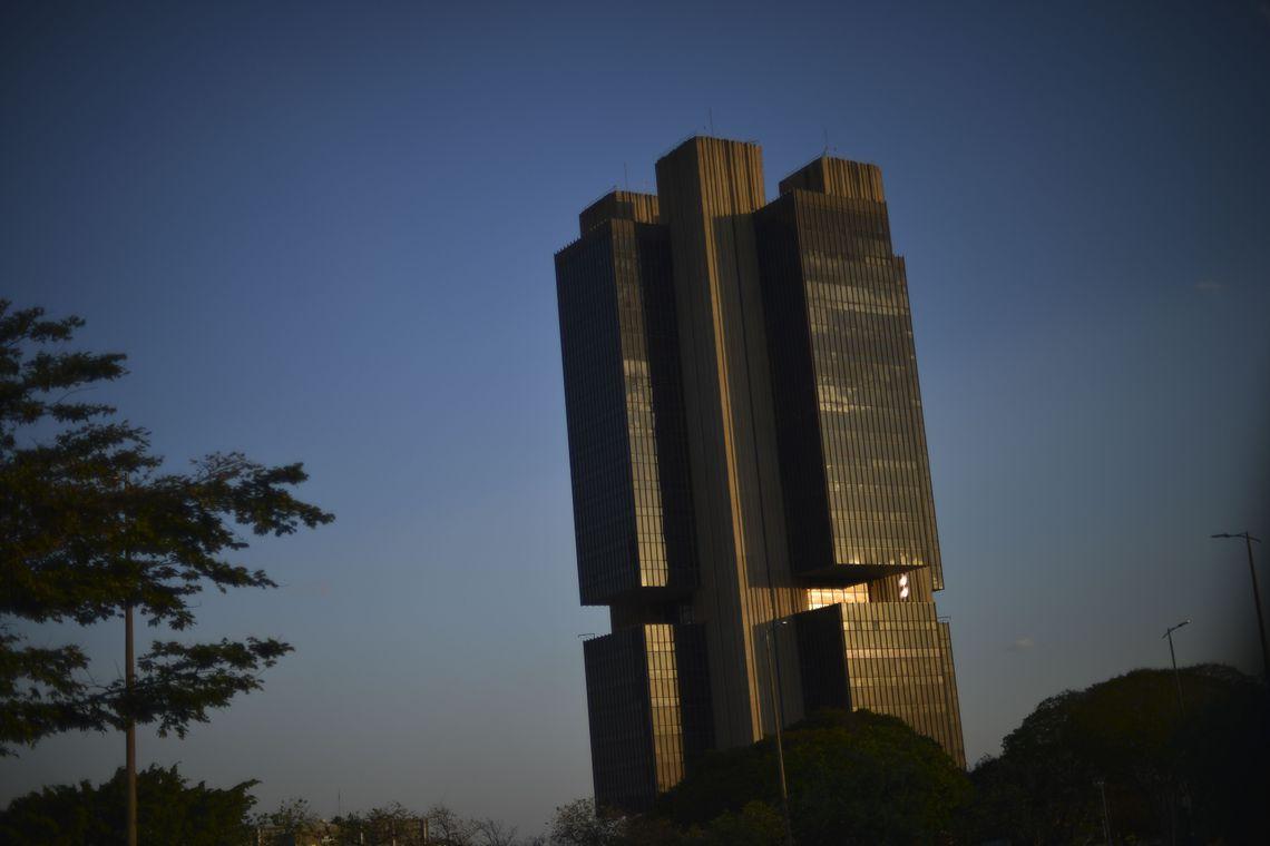 Institui��es elevam pela s�tima vez estimativa de infla��o