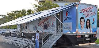 SAC M�vel oferece servi�os � popula��o no est�dio de Pitua�u
