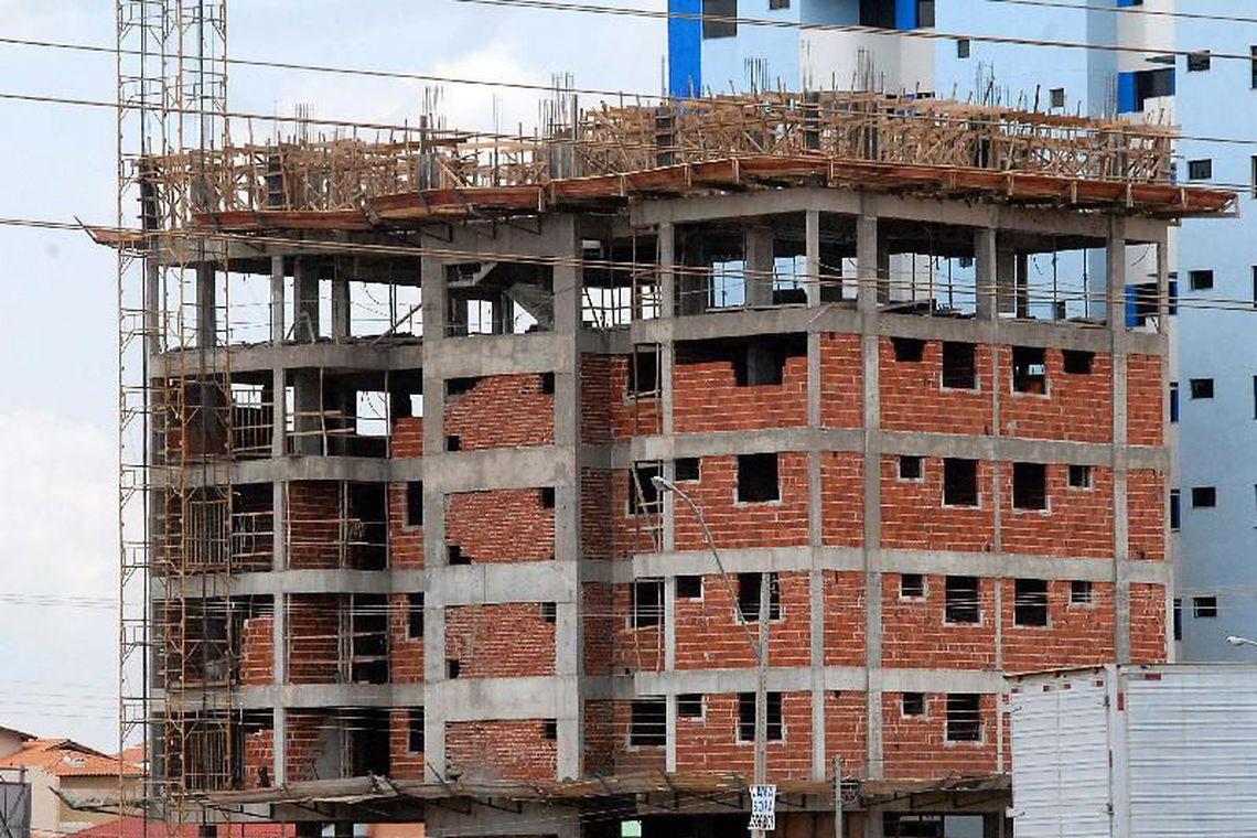Atividade na constru��o cai em novembro, mostra levantamento da CNI