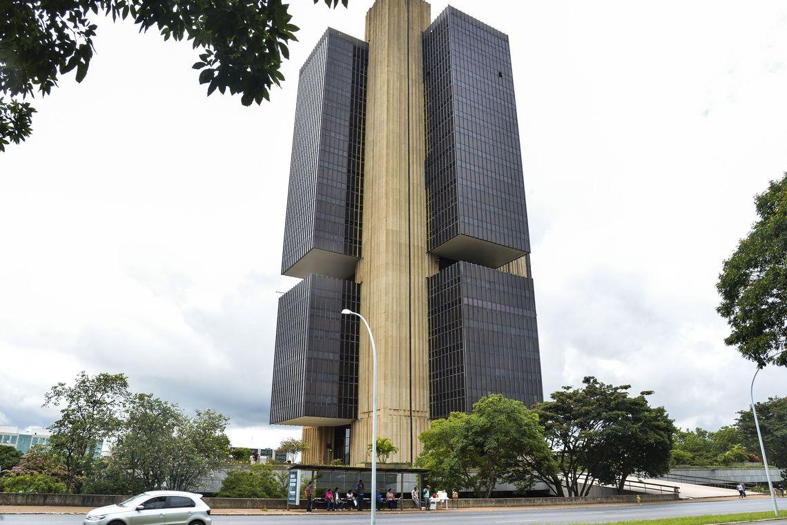 Mercado financeiro eleva estimativa de infla��o este ano para 3,29%