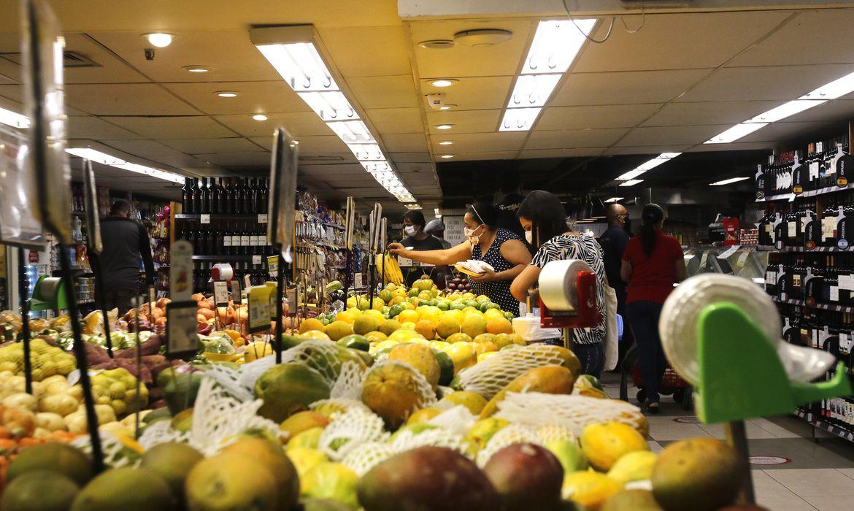 Prévia da inflação em setembro fica em 0,45 por cento, diz IBGE
