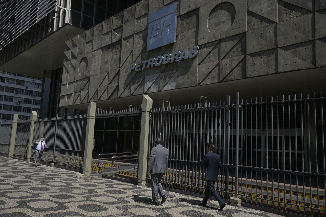 Petrobras diminui pre�o da gasolina e diesel nas refinarias