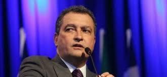 Rui Costa assume o governo da Bahia prometendo responsabilidade fiscal