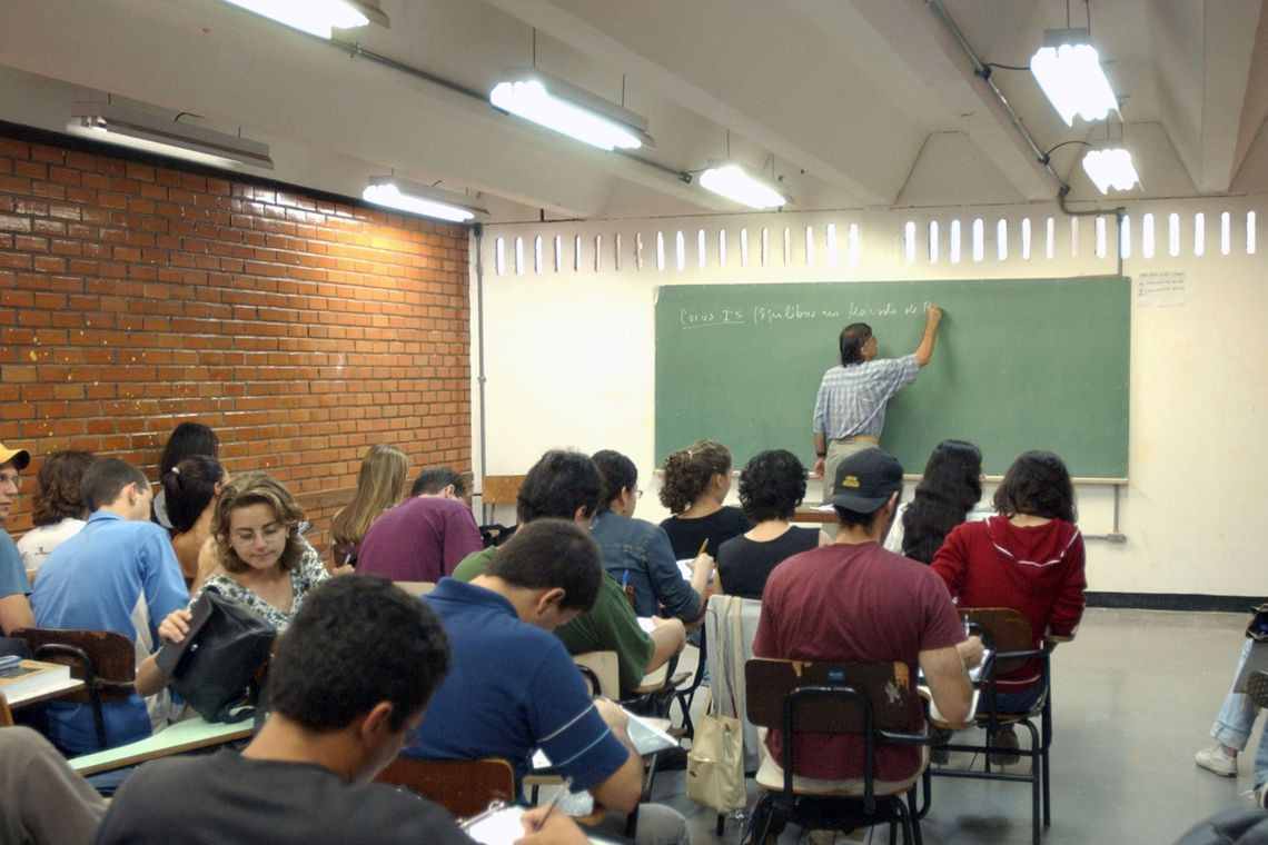 Empreendedorismo e investiga��o cient�fica far�o parte do ensino m�dio