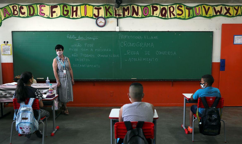 SP: estudo aponta incid�ncia maior de coronav�rus entre professores