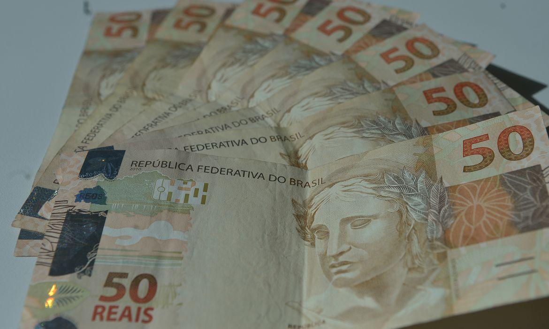 Mercado financeiro prev� queda de 5,89% na economia este ano