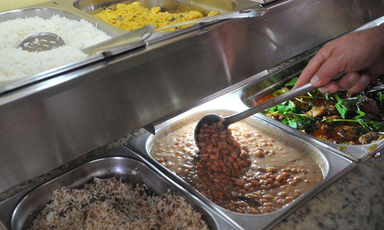 Alimentos puxam alta de pre�os em setembro, aponta o IBGE